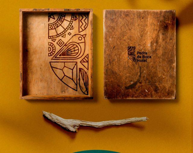 Pedra-da-Boca-Hotel-Wooden-Box-por-1516-GDM